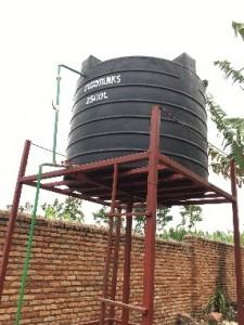 我が家の貯水タンク(2,500L)